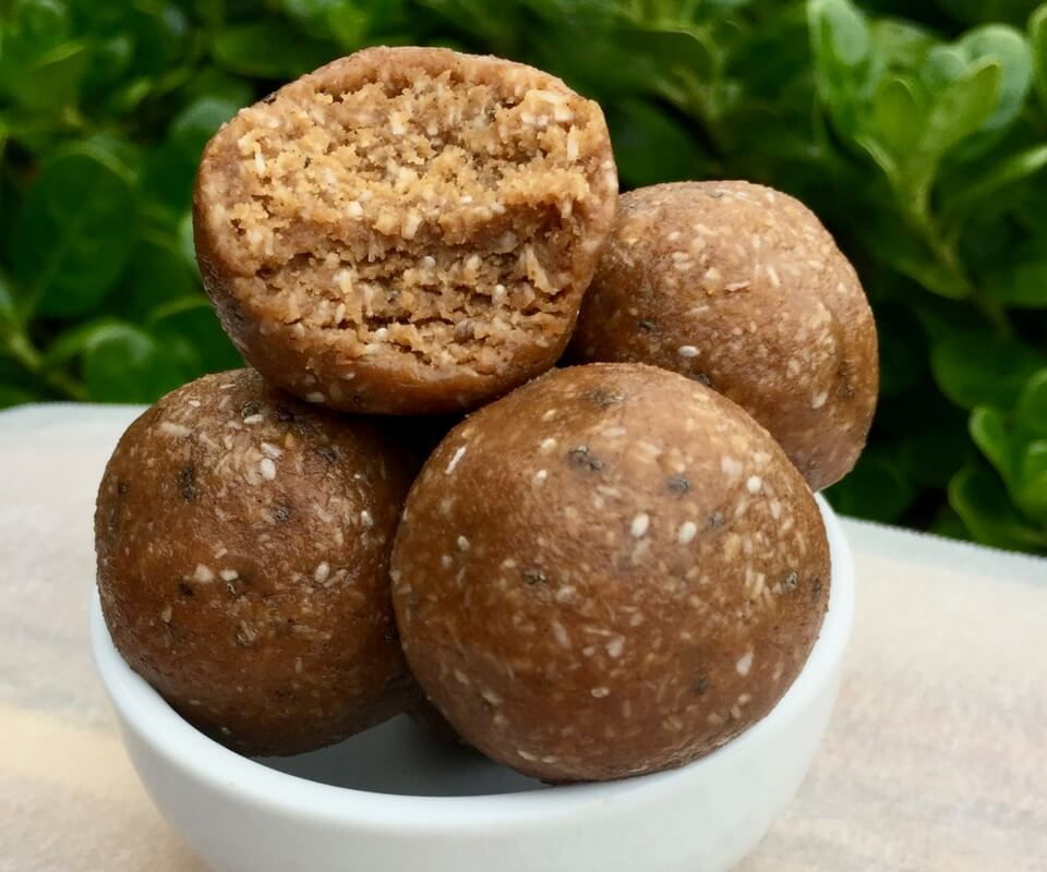 5 ingredient chocolate and peanut butter bliss balls