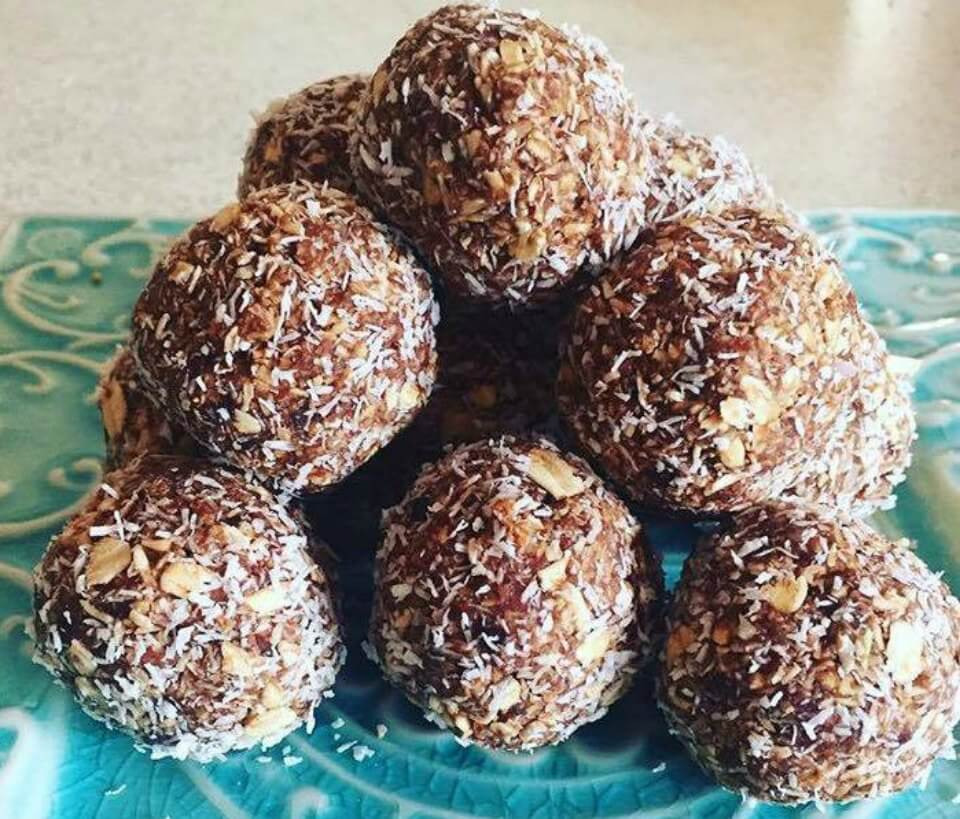 Nutritious Date And Oat Bliss Balls