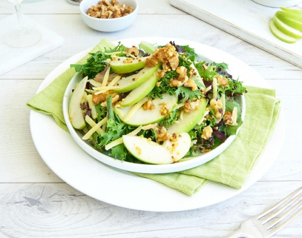 Apple_Cheese_Walnut_Salad