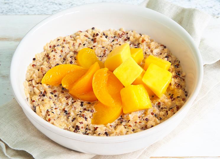 355-calorie-rice-and-quinoa-porridge-with-tropical-fruit