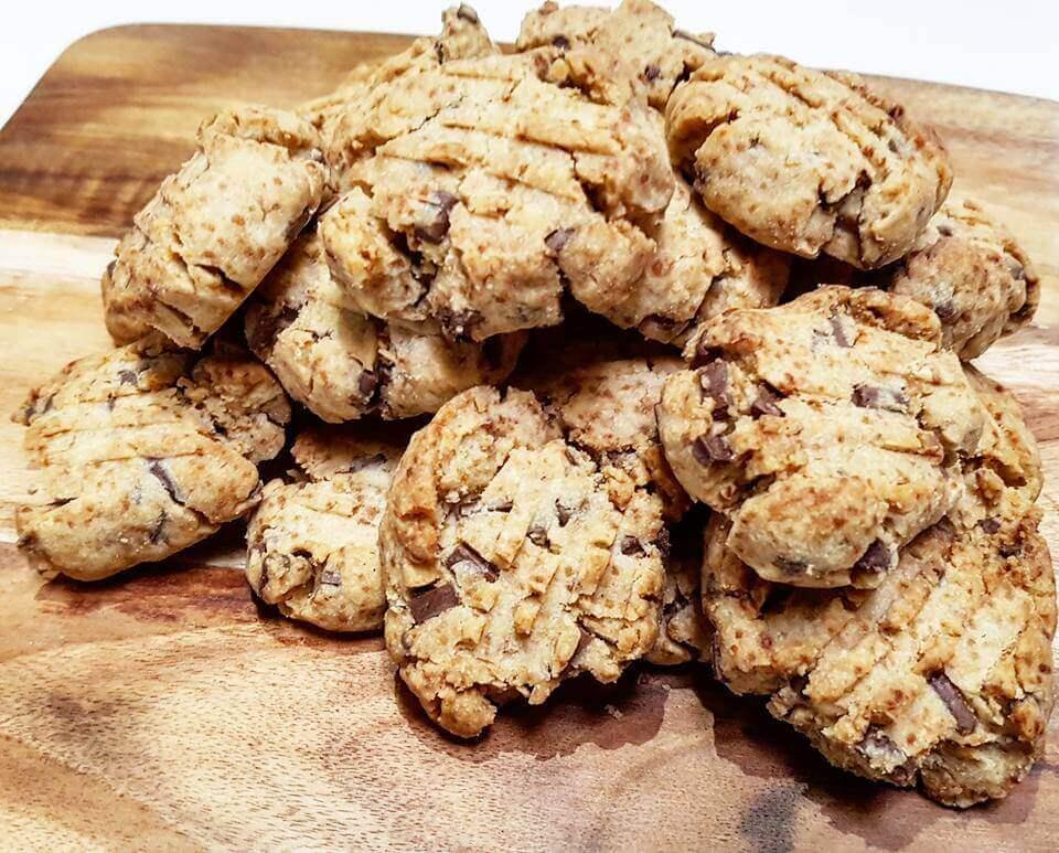 4-Ingredient-Chocolate-Chip-Cookies