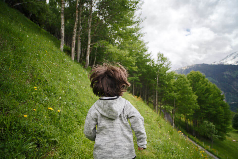 child-nature-running
