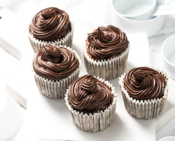 5 Ingredient Chocolate and Quinoa Cupcakes
