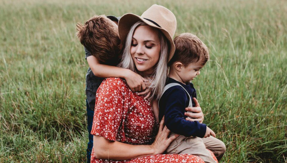 The MORE kids a woman has, the slower she will age and the LONGER she will LIVE!